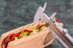 12 natürliche Anti-Nibble-Tipps für Gewichtsverlust