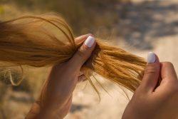 Natürliche Tipps gegen sprödes und geschwächtes Haar