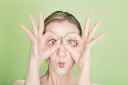 Crème anti-âge : comment choisir un soin anti ride efficace en pharmacie