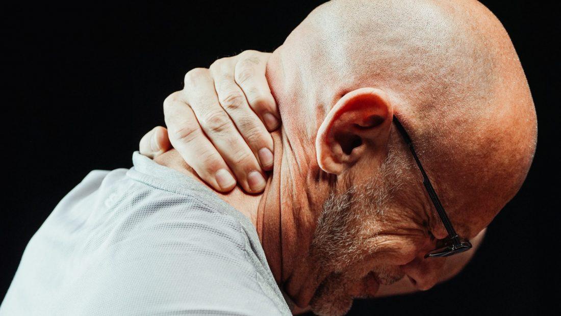 Lenire il dolore del torcicollo in modo naturale