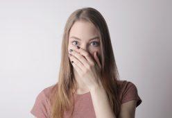 Traitement naturel de l'halitose et de la mauvaise haleine