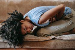 Medicina naturopática y síndrome premenstrual